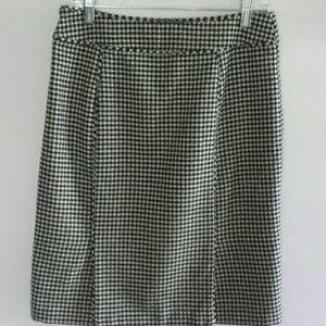Banana Republic Hounds Tooth Wool Blend Skirt Sz 8